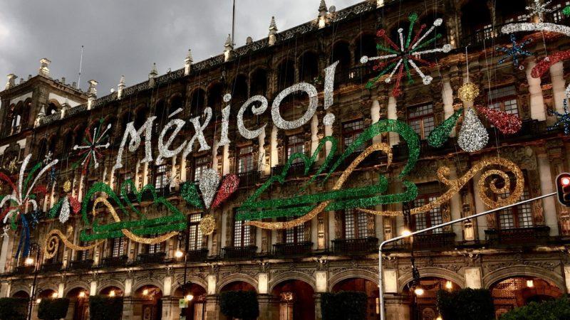 Mexico City's pollution solution: Vía Verde Vertical Gardens